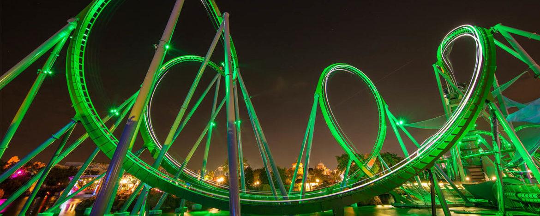 Conheça a montanha russa do Hulk