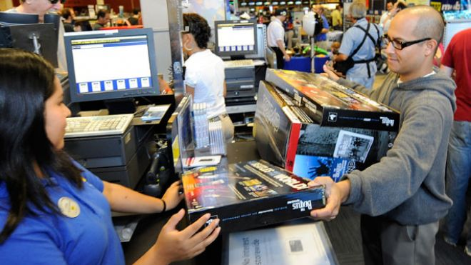 Customer-Purchases-Game-Best-Buy-Store