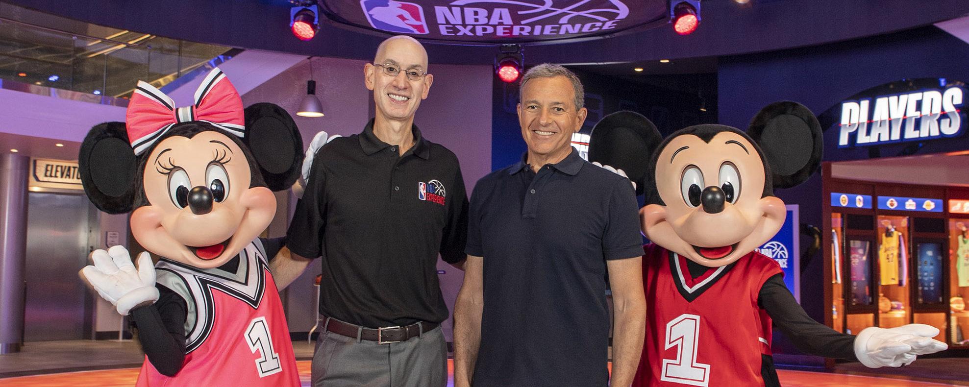 Cerimônia de Inauguração do NBA Experience em Disney Springs